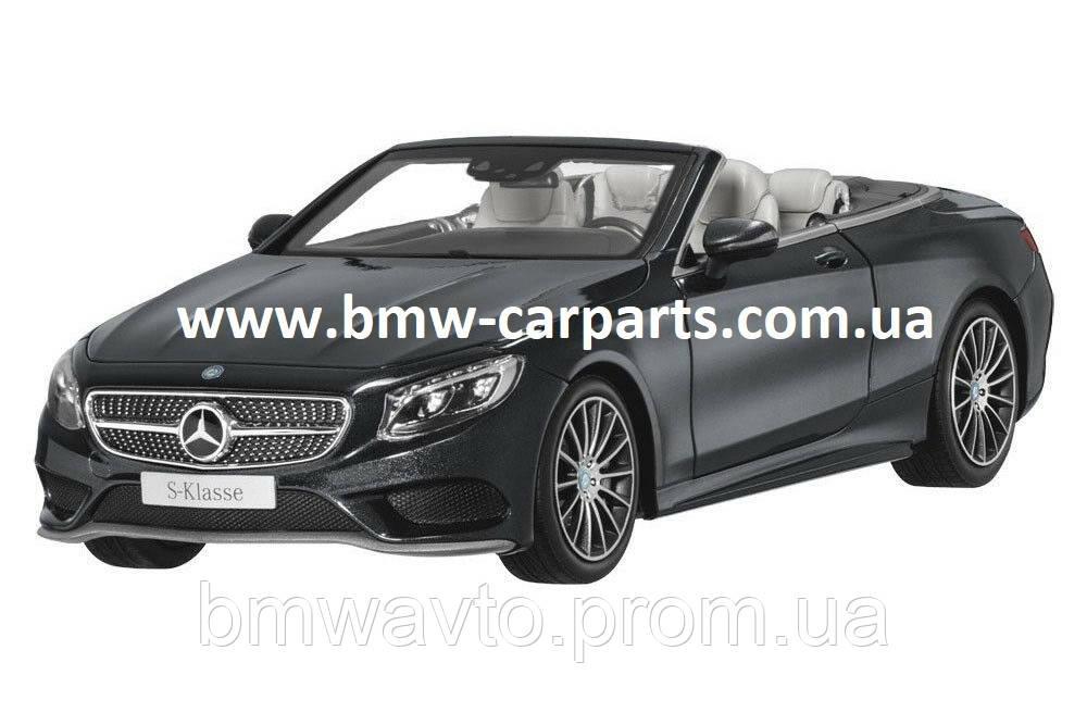 Модель Mercedes-Benz S-Class Cabriolet, Magnetite Black Metallic, 1:18 Scale