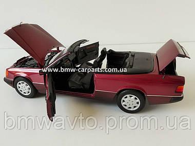 Модель Mercedes-Benz 300 CE-24 Cabriolet A124 1:18 Scale, фото 3