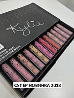 Набор от KYLIE Single Lipstick состоит из двенадцати матовых жидких помад