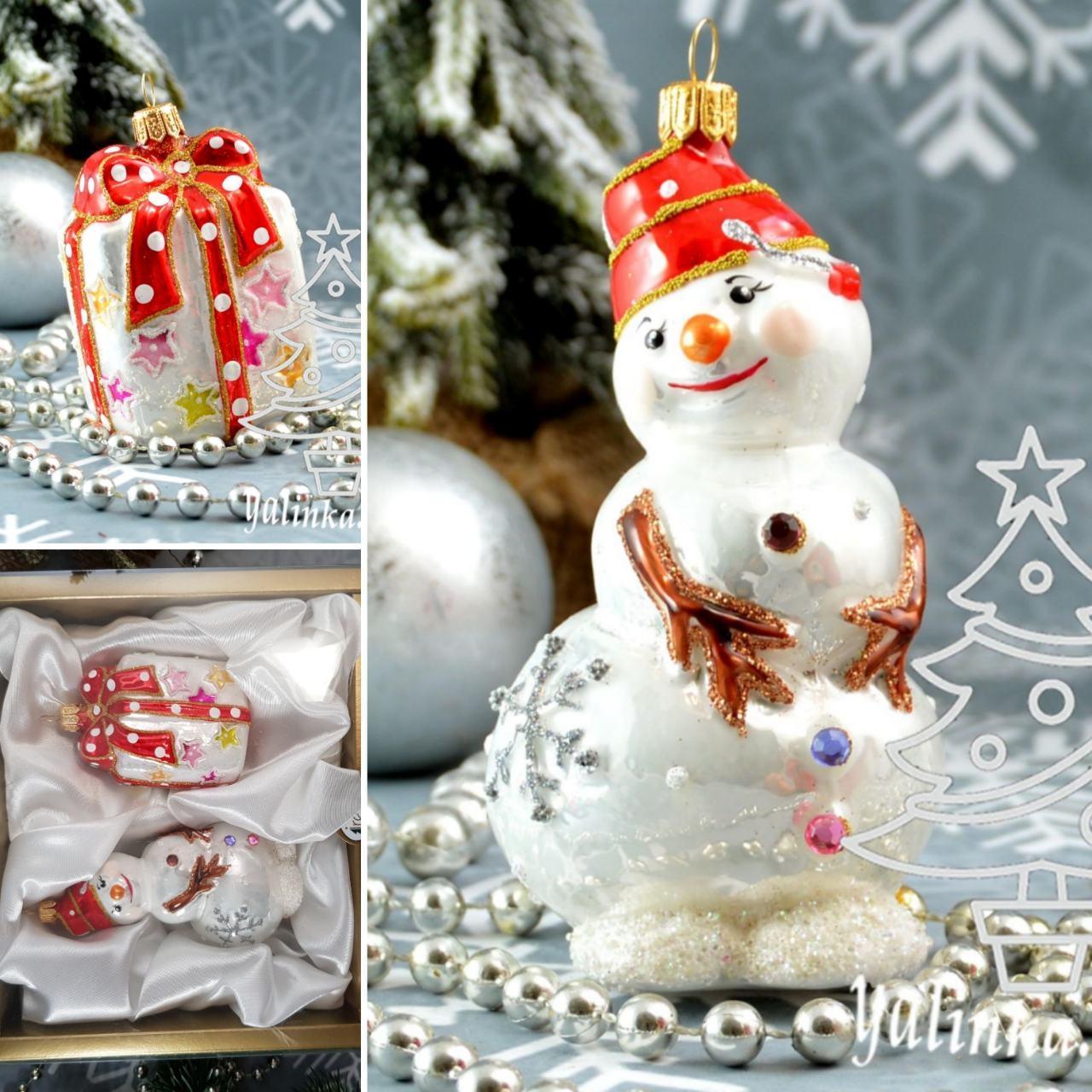 Набор стеклянных елочных игрушек Снеговик с подарком Irena