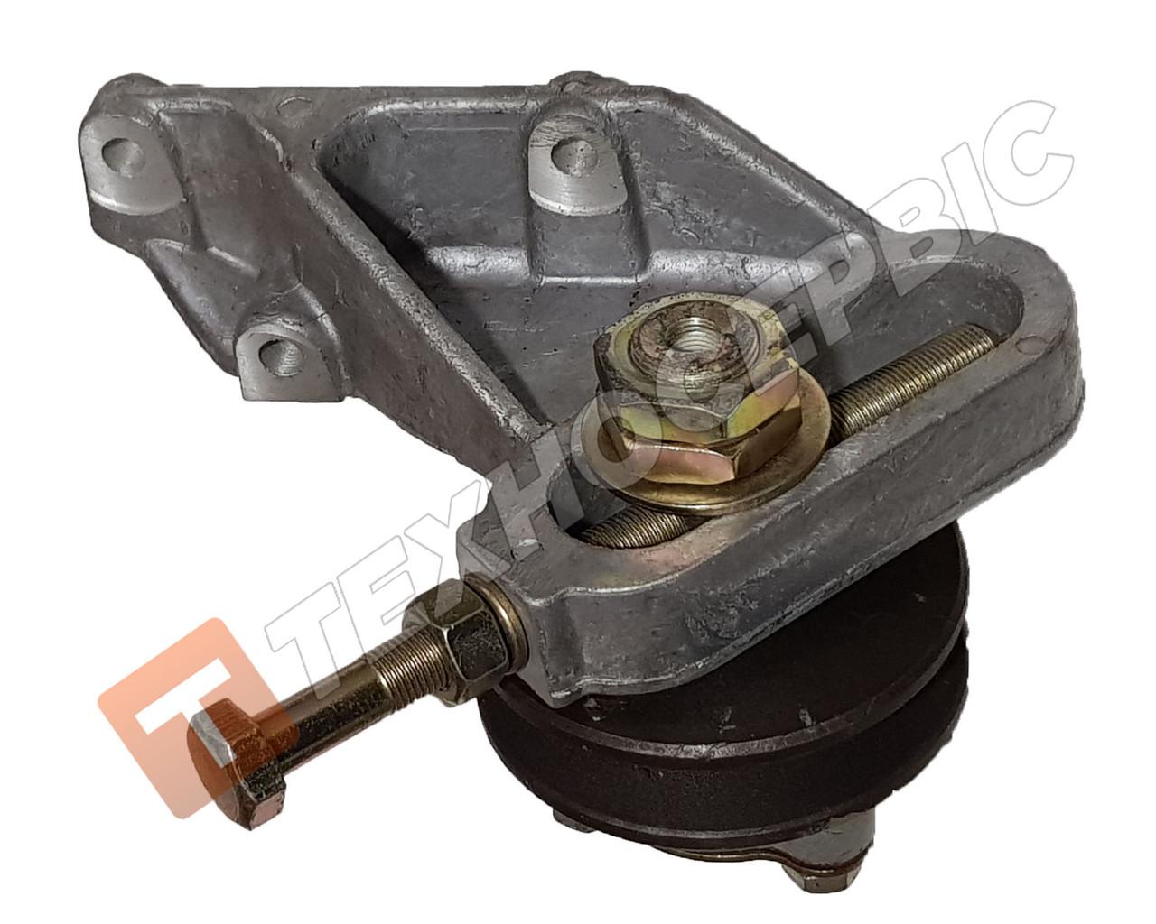 Устройство натяжное ремня компрессора с роликом ЯМЗ, натяжитель ремня компрессора МАЗ (236-3509300)