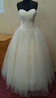 68.2 Пышное свадебное платье цвета ivory, размер 48