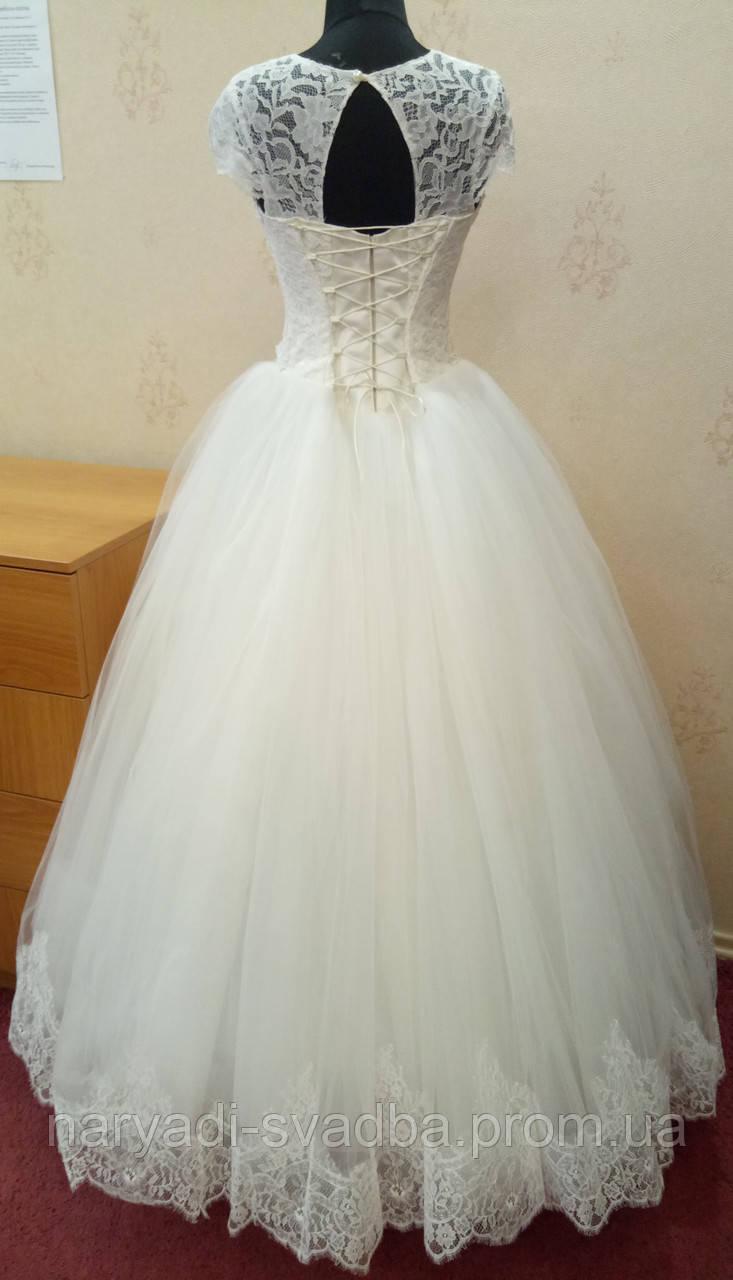 6c8a4c97ec0 Свадебное платье-маечка цвета ivory с ручной вышивкой и кружевом ...