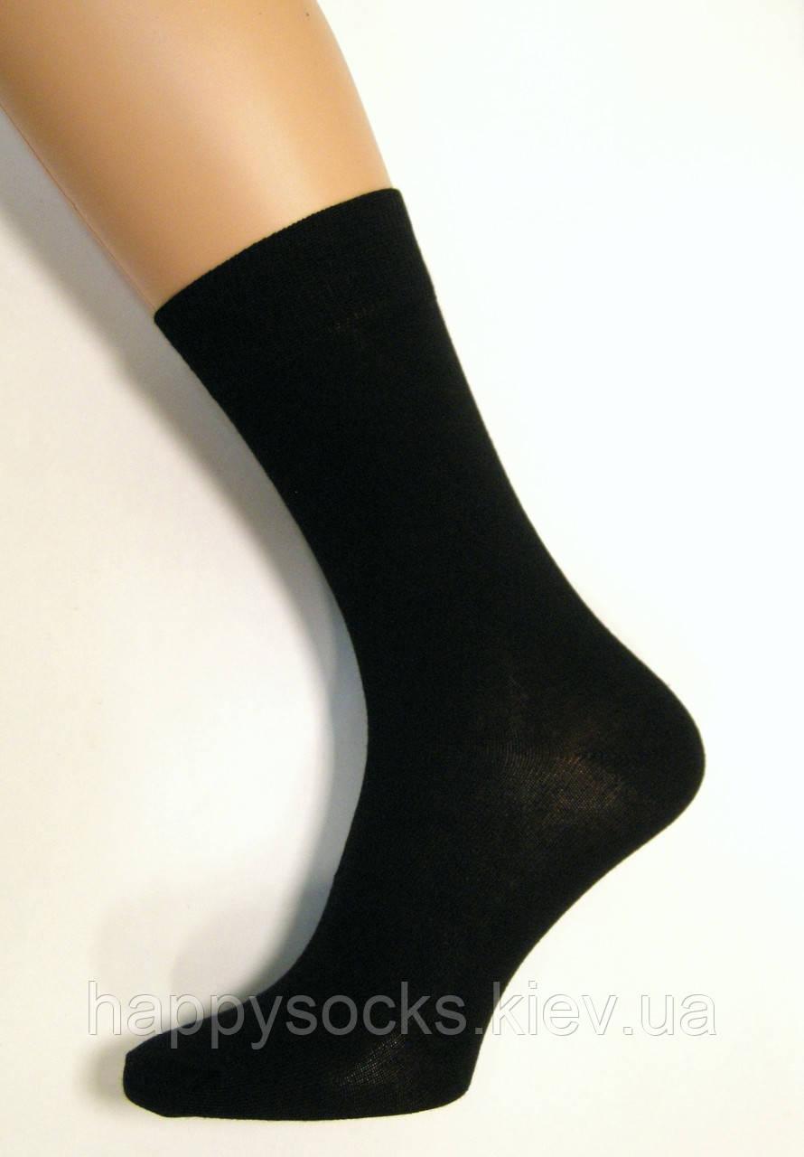 Хлопковые носки мужские высокие черного цвета
