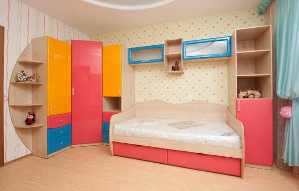 Детская - комплект мебели