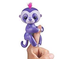 Интерактивный ручной ленивец Фиолетовый Марж Оригинал WowWee Fingerlings Baby Sloth Marge (Purple), фото 1