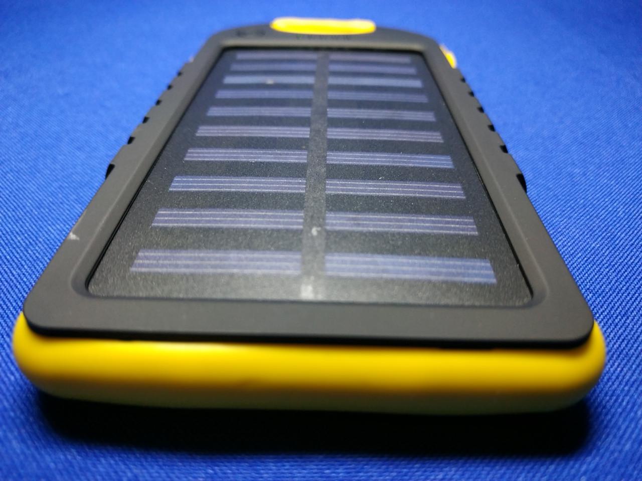 Power Bank Solar 10000mA на солнечных батареях с фонариком (желтый)