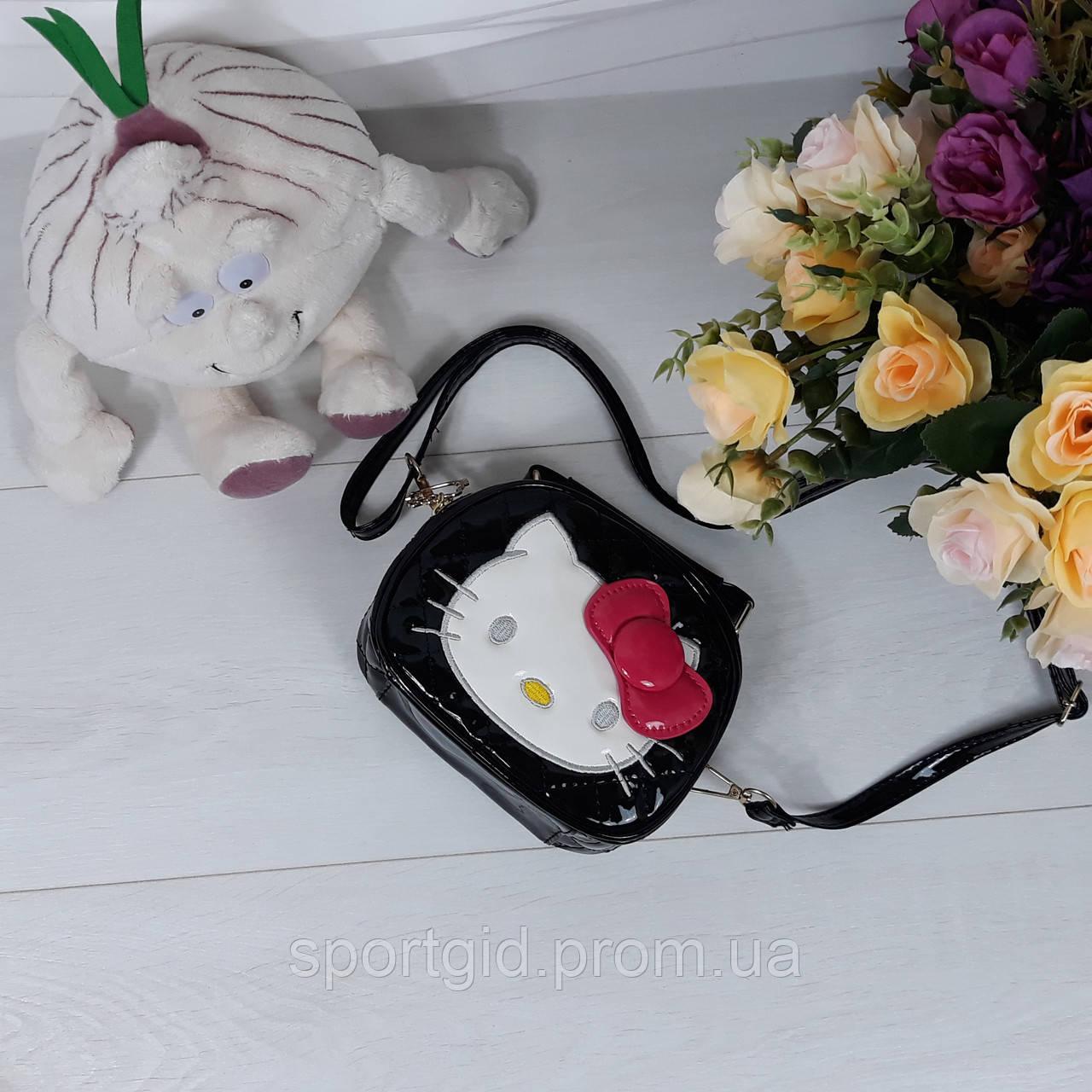 5255a77fa99b Лаковая сумочка с бантиком для девочек Hello Kitty, цена 370 грн., купить в  Запорожье — Prom.ua (ID#356937876)