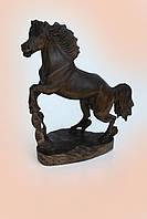 Лошадь резная, черешня