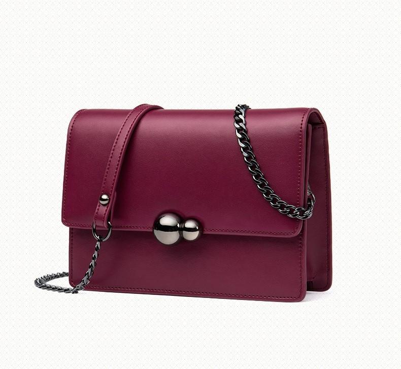 Маленькая сумочка на цепочке кожаная бордового цвета опт