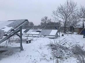 Монтаж солнечных батарей второго ряда.