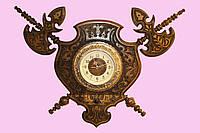 Часы настенные с алебардами