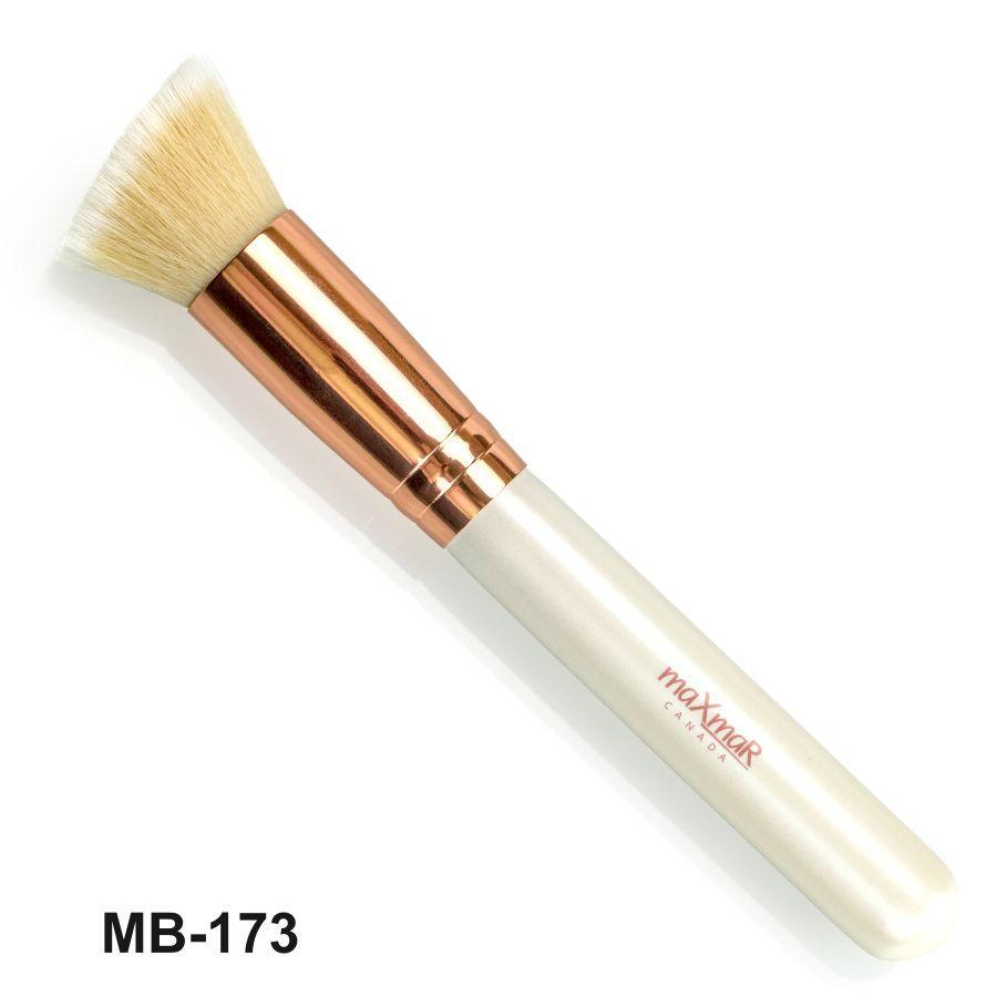 Скошенная кисть для тона, контуринга maXmaR MB-173