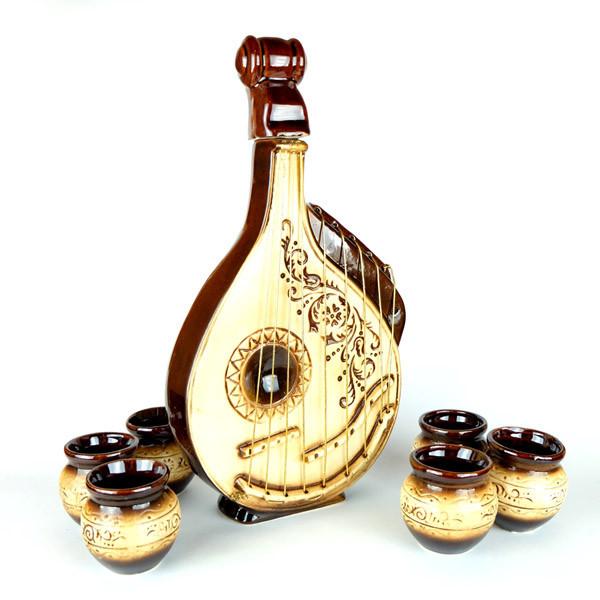 Бандура - винный набор, бутылка и 6 рюмок