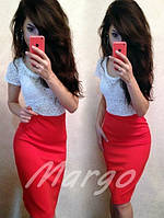 Платье с гипюровым верхом и коротким рукавом