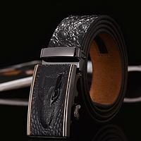 Мужской кожаный ремень с изображением крокодила пряжка автомат черный