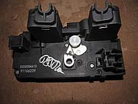 Б/у Механический замок боковой расдвижной двери renault trafic opel vivaro 8200004410 nissan primastar91166239