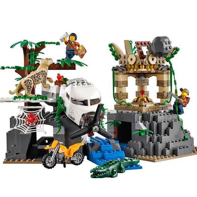 """Конструктор 02061 """"База исследователй джунглей"""" 870 дет., в собран.кор.54*8.5*44 Аналог LEGO City 60161"""