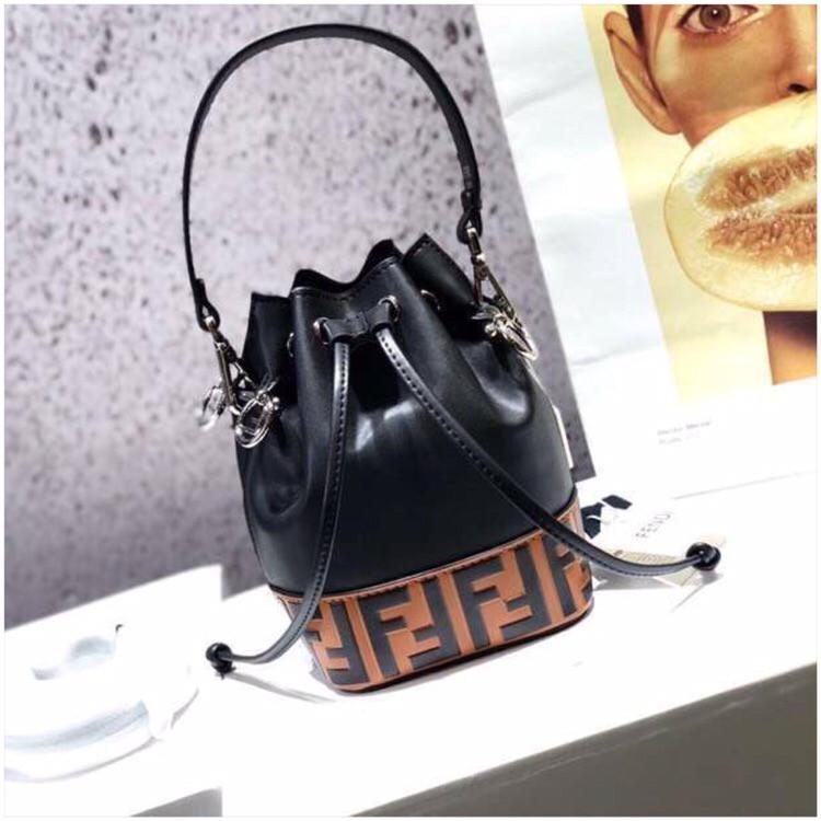 Женская сумка от Фенди FB натуральная кожа, новинка