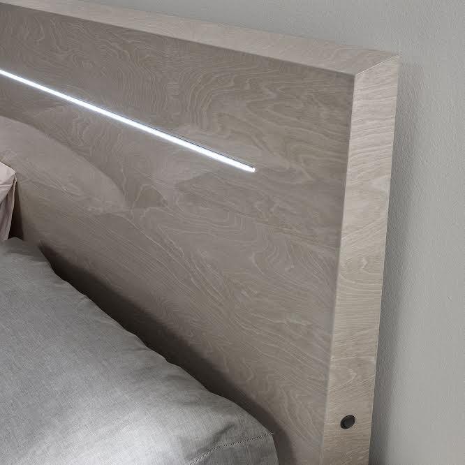 Кровать с подсветкой Ambra 1,8х2 м бежевый глянец серия Modum от Camelgroup