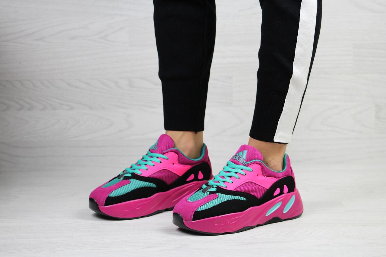 Женские кроссовки Adidas x Yeezy Boost 700 OG (малиновые)