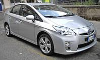 Лобовое стекло на Toyota Prius c 2009- г.в.