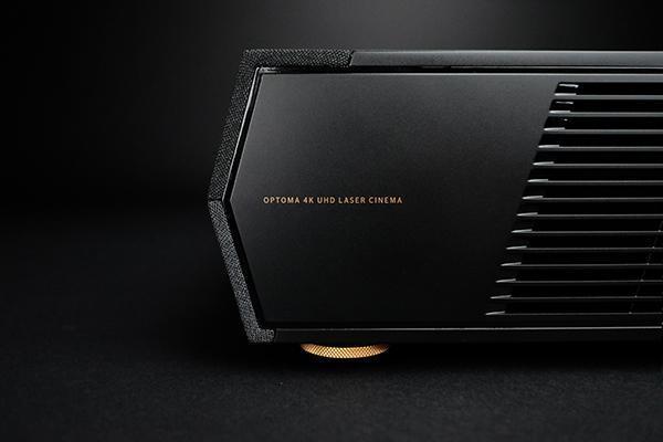 Заманчивый ультра-короткофокусный лазерный проектор 4K от Optoma