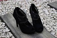 Стильные молодёжные туфли на шпильке