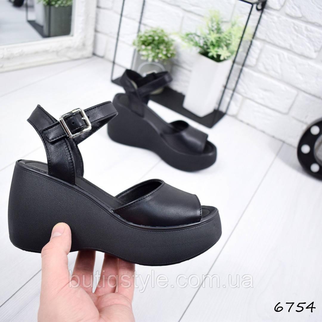 Женские черные босоножки Mia на платформе натуральная кожа 2019