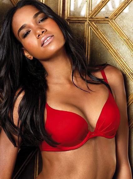 Комплект белья Victoria's Secret красный с пуш-ап