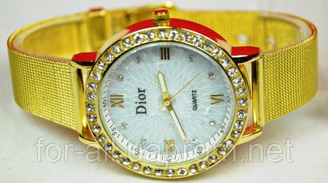 Женские наручные часы Dior CD5398 с золотистым корпусом и браслетом
