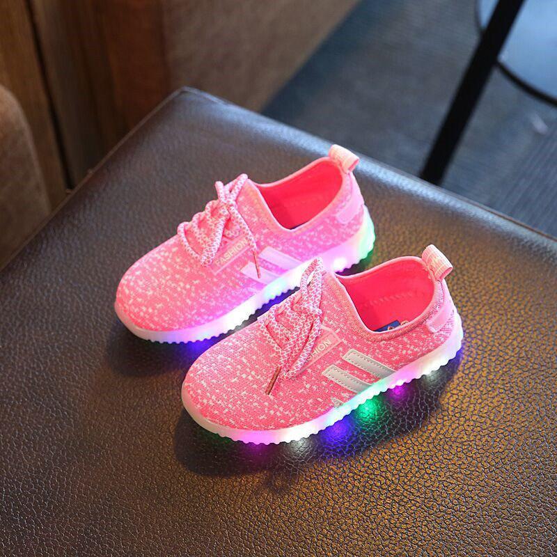 ffc85f58 Детские светящиеся кроссовки на батарейках