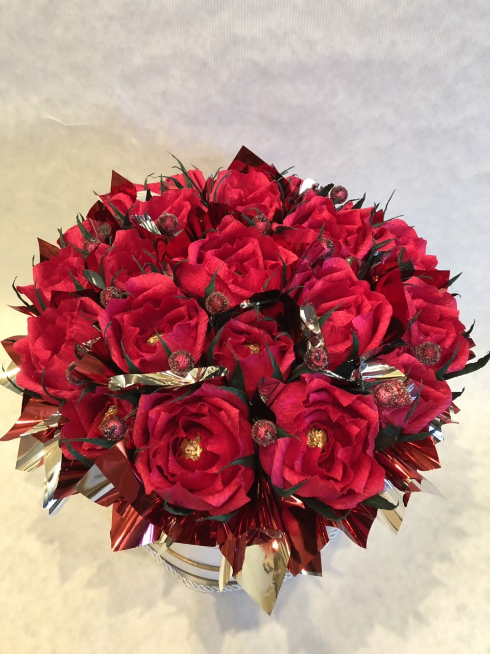 Подарочная коробка с цветами из конфет! Трюфель Оригинальный (АВК)