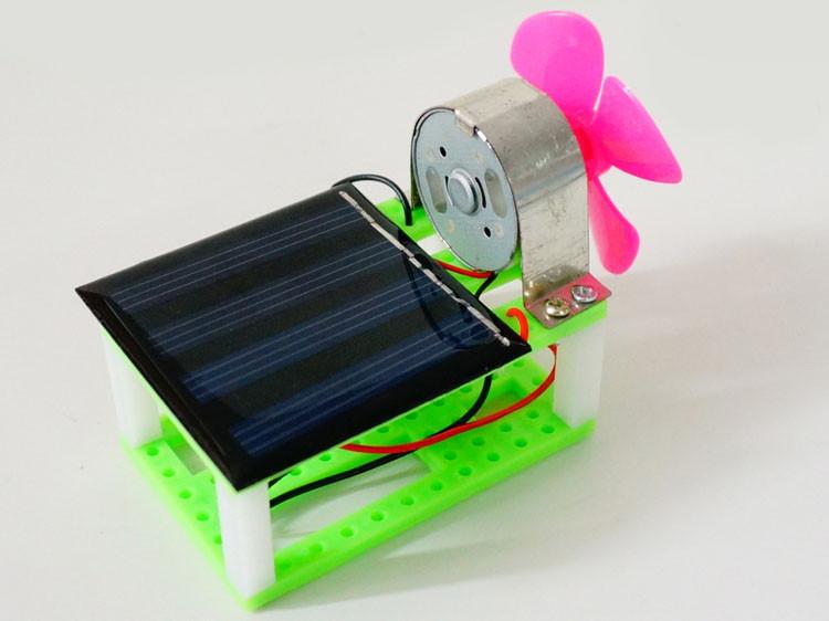 """Научный конструктор """"Вентилятор на солнечной батарее"""""""