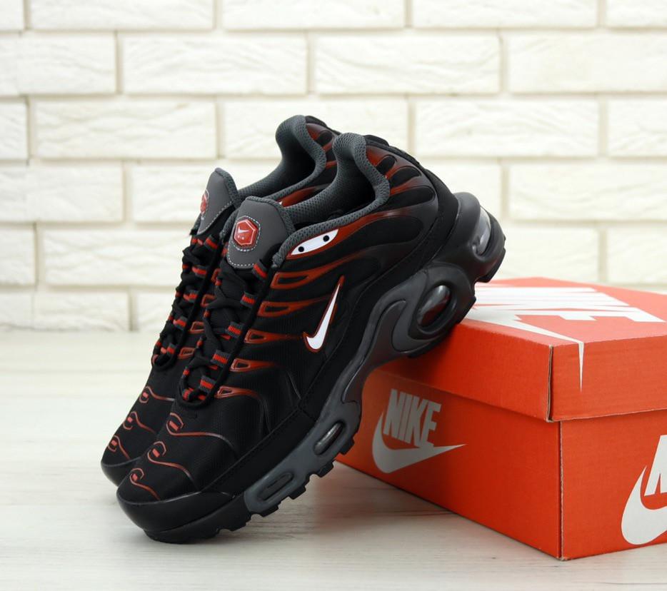 Мужские кроссовки в стиле Nike Air Max Tn Plus Black and Red (Реплика ААА+)