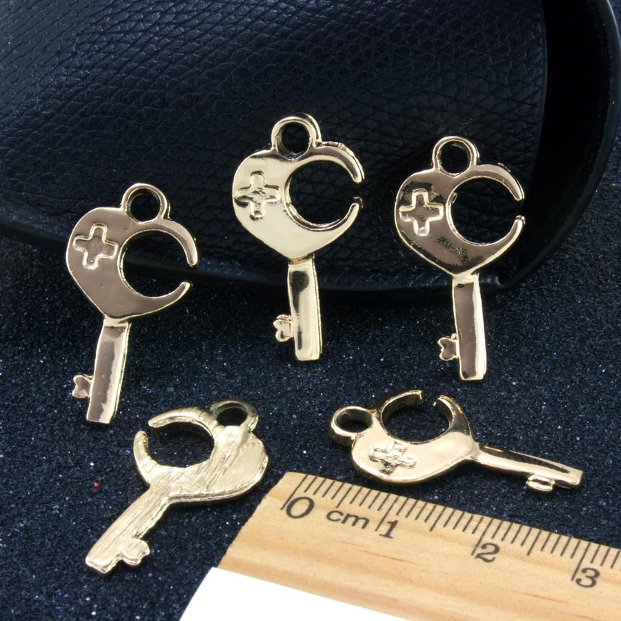 "(5 шт) Кулон, подвеска-шарм ""Ключик"" (РАЗМЕР 2,2 х 1,5 см) для бижутерии, металл, Цена за 5 шт"