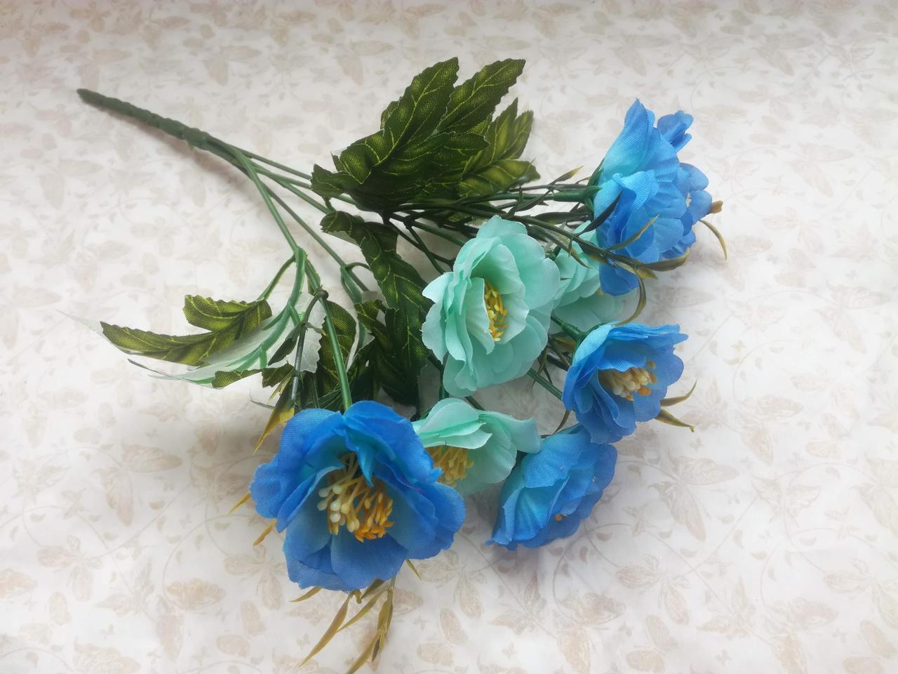 Букет цветы шиповника-небесноголубой
