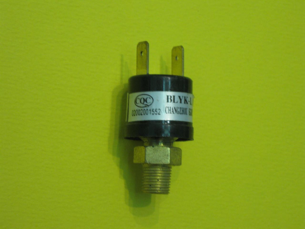 Датчик (реле) давления воды (резьба) Hi 4300200009 Solly