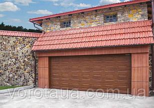 Секционные гаражные ворота DoorHan серии RSD02