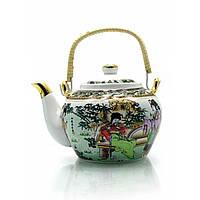 Красивый чайник в восточном стиле