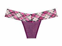 Кружевные трусики-стринги Victoria's Secret фиолетовые с люрексом