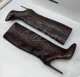 Жіночі коричневі чоботи з пітона на шпильці, фото 3