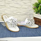 Женские белые кожаные шлепанцы-вьетнамки от производителя, фото 3