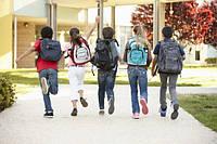 Школьный рюкзак для первоклассника: выбираем мальчику и девочке