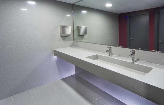 Столешница в ванную Искусственный камень - кварц Silestone Cygnus - Photo