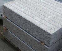 Бордюрный камень из гранита