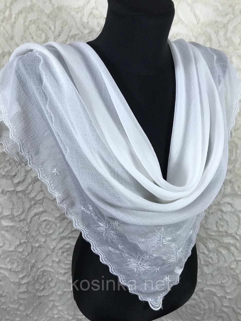 Однотонний білий хустку з вишивкою (кол.102)
