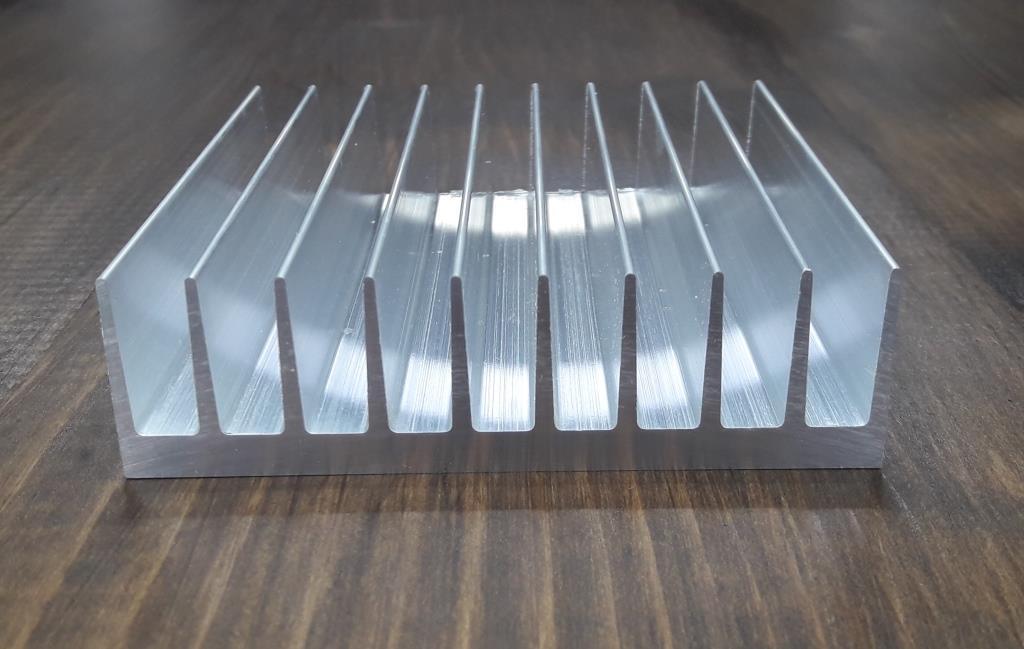 Радиаторный профиль 92х26. Деталь 195мм
