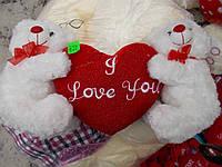 Плюшевые мишки с сердцем