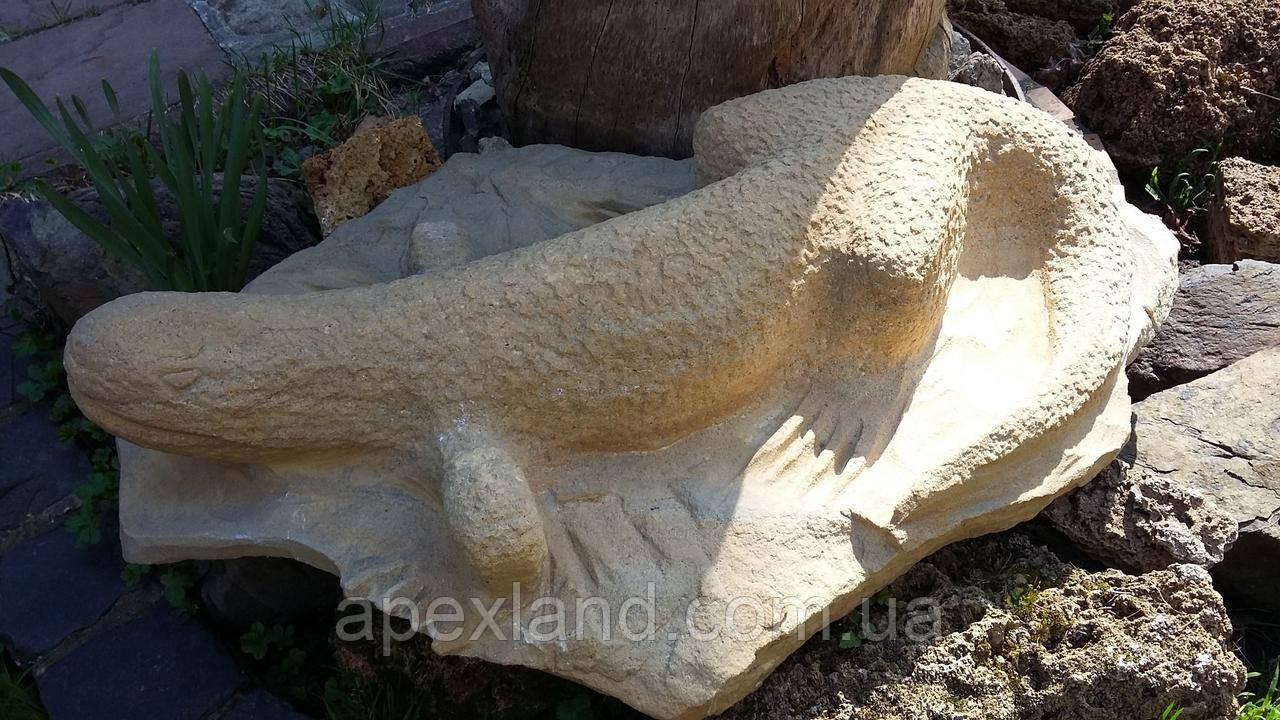 Ящерица - скульптура для сада, ручная работа из камня